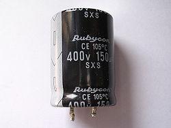 [Gambar: 250px-condensador_electrolitico_150_micr...&h=188]