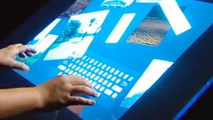Jeff Han memamerkan karya multitouch nya pada tahun 2006